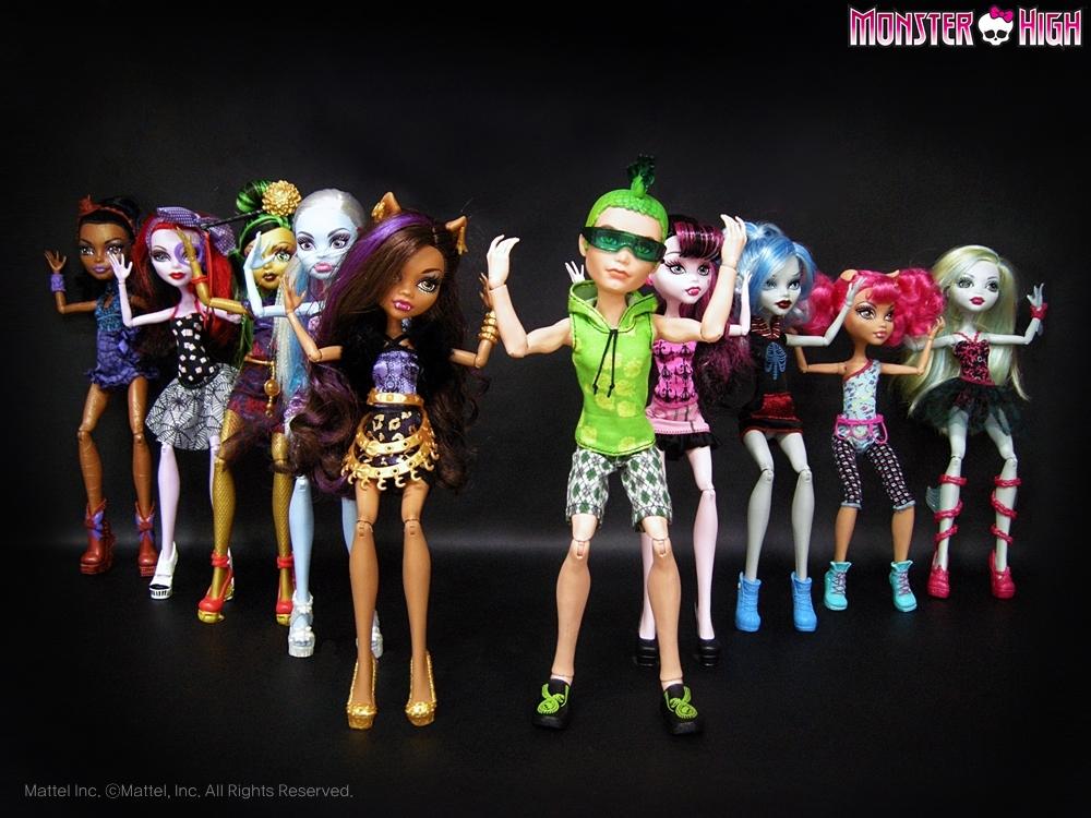 видео монстр хай куклы про дракулауру