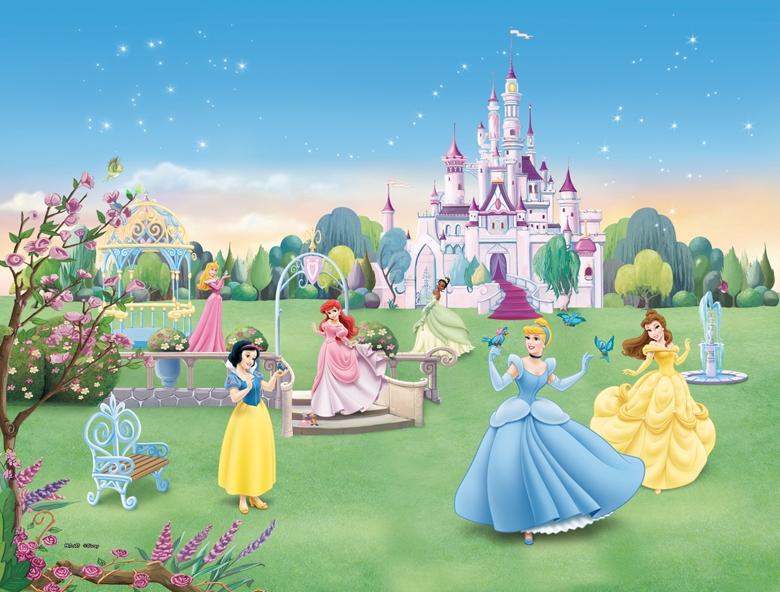 Принцессы Диснея возле замка Дисней Принцессы Youloveit Ru