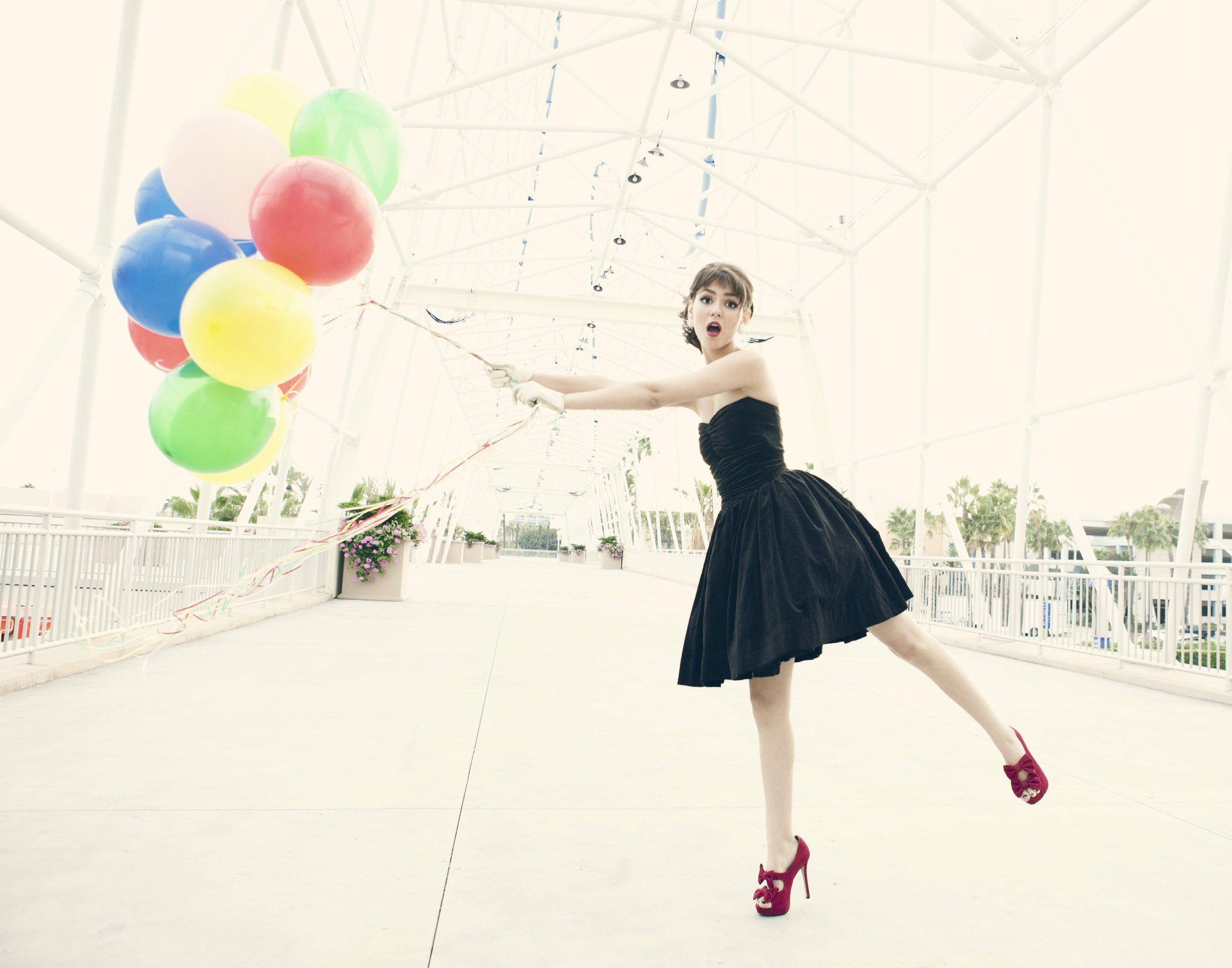 Эротические фото с воздушными шариками 21 фотография