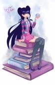 Муза в школьной форме с книгами