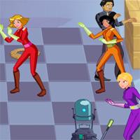 Игра для девочек: Шахматы Тотали Спайс