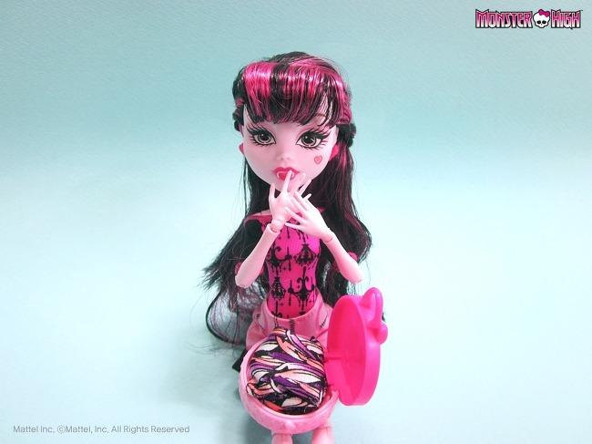 Скачать игры для девочек про прически куклами