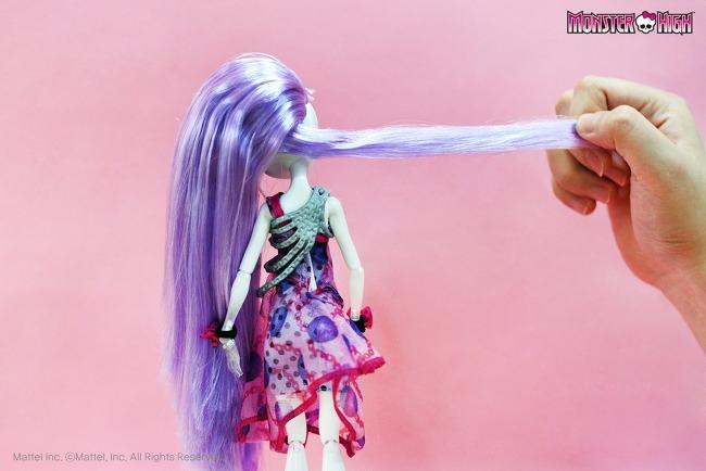 Новая прическа для куклы, косичка - ободок.