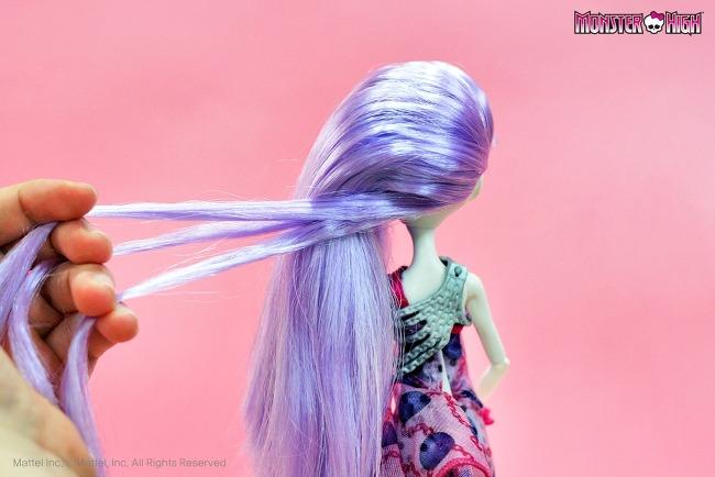 Как заплести красивую прическу кукле