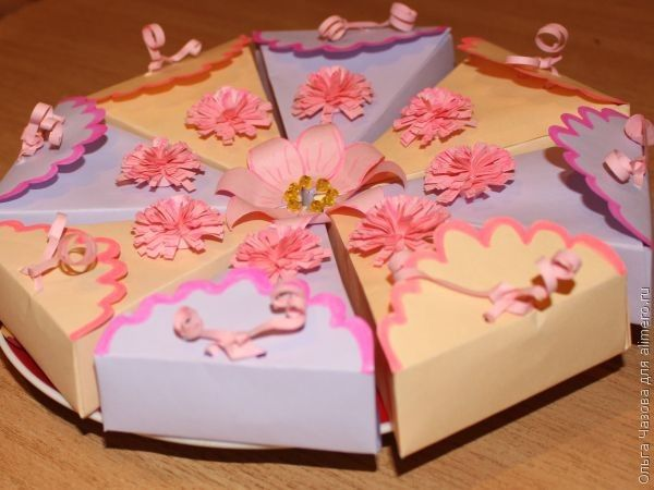 Оригинальная упаковка для маленьких конфет и подарков в виде торта