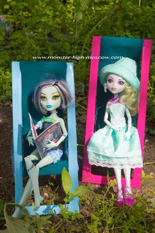 Поделки своими руками: Шезлонг для куклы