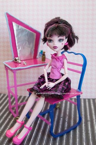 Столы для кукол монстер хай своими руками