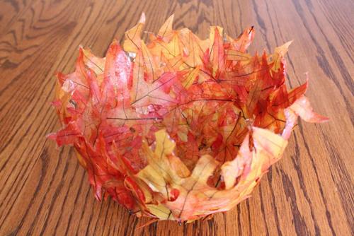 Ваза из листьев своими руками на тему осень фото