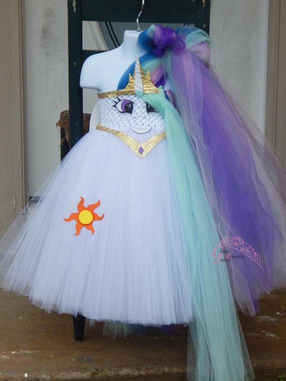 Идеи новогодних костюмов в стиле Дружба это Чудо