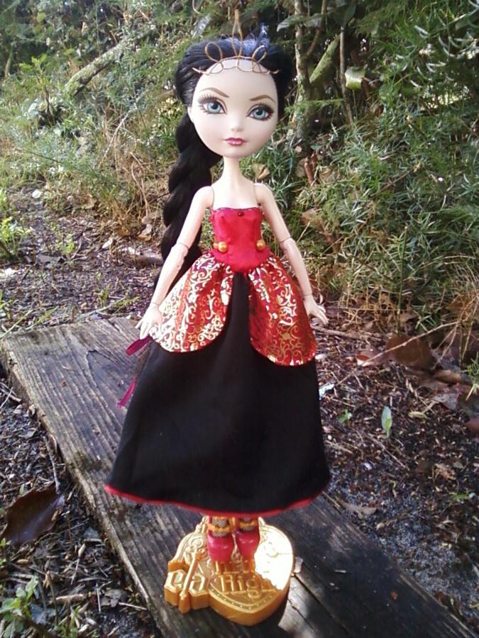 Как сделать платья для кукол эвер афтер хай своими руками фото 755