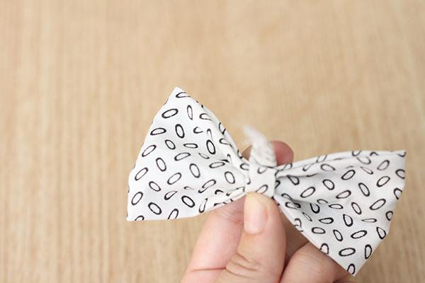 Поделки: Как сделать бантик для заколки своими руками