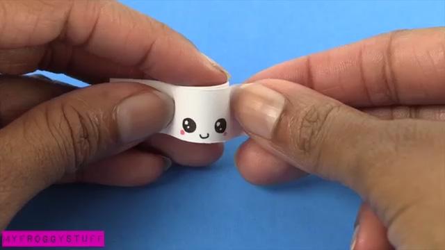 Как сделать из бумаги кружки для кукол