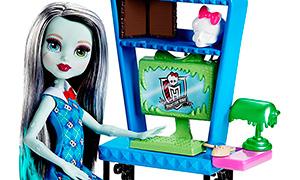 Новые игровые наборы Монстер Хай с куклами Фрэнки и Лагуны