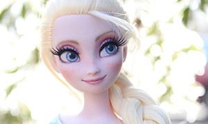 Как преобразилась кукла Эльзы, когда попала в руки художника