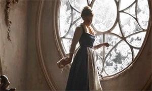 Красавица и Чудовище: Эмма Уотсон поет