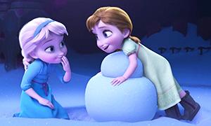 Две малышки воссоздали сцену из мультфильма