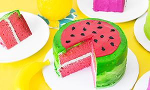 Идея летнего декора для торта: Торт в виде долек фруктов